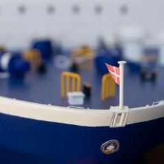 Detail dänische Flagge am Schiffsmodell