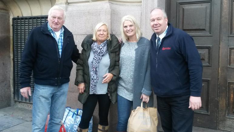 Busfahrer Gordon und Passagiere in Newcastle