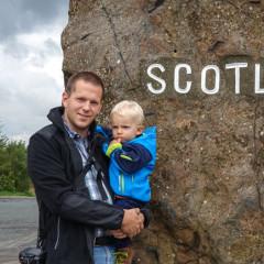 Schottischer Grenzstein zwischen Newcastle und Edinburgh