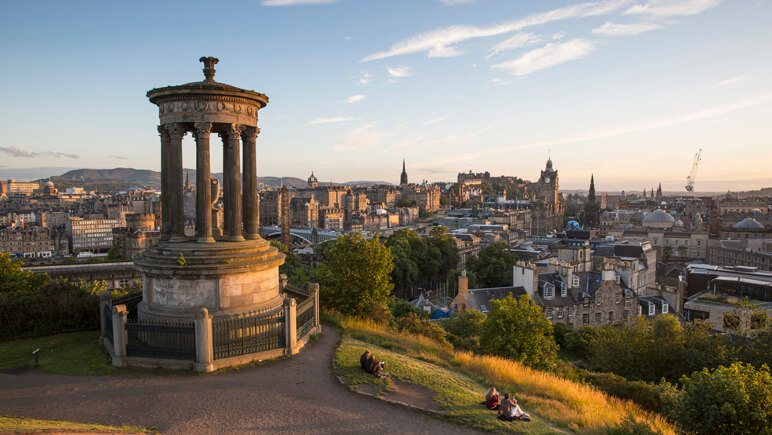 Calton Hill in Edinburgh © VisitScotland