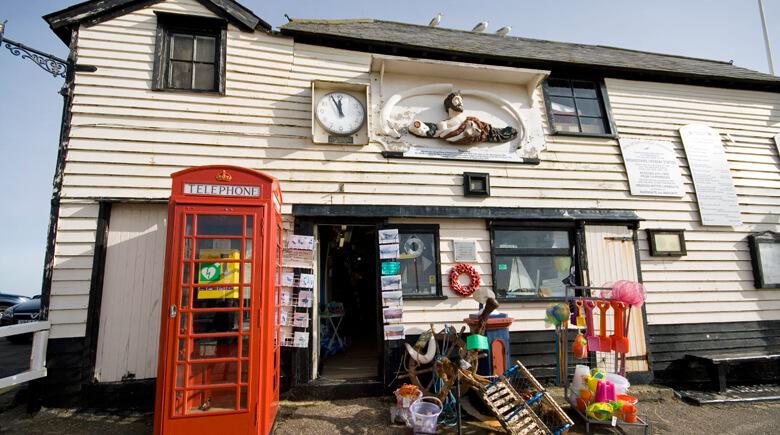 Kleiner Laden in Strandnähe