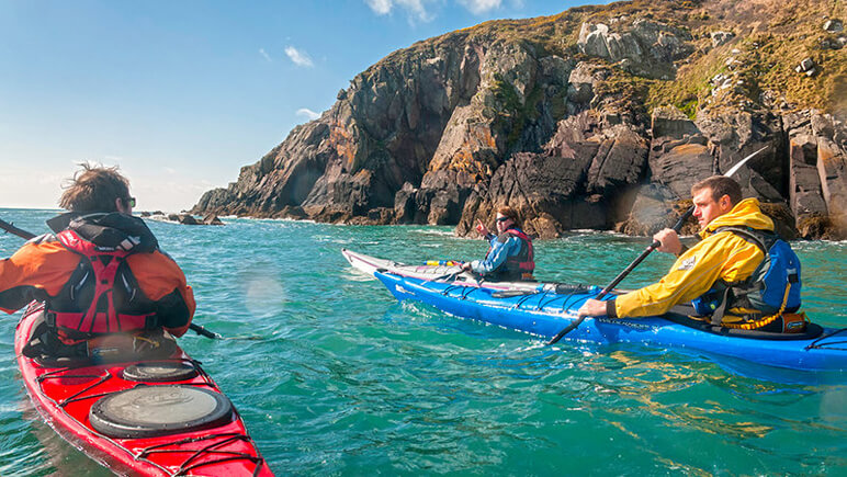 Sea Kayaking_Pembrokeshire Coast_co_VisitBritain