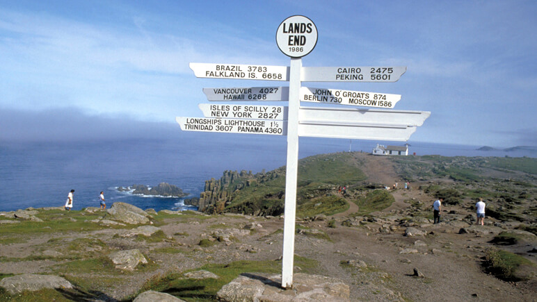 Rosamunde Pilcher Land's End Cornwall_co_VisitBritain