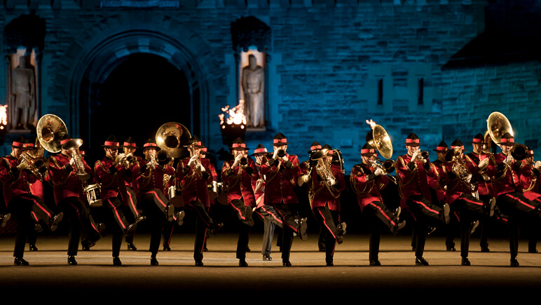 Royal Edinburgh Military Tattoo_co_VisitBritain