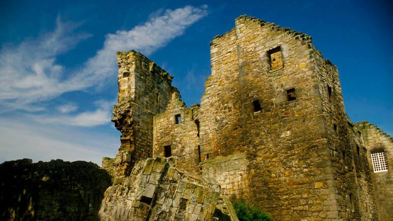 Aberdour Castle_co_VisitScotland