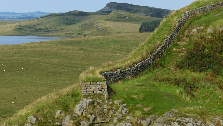 Hadrianswall Ansicht_co_the-celtic-ways.de
