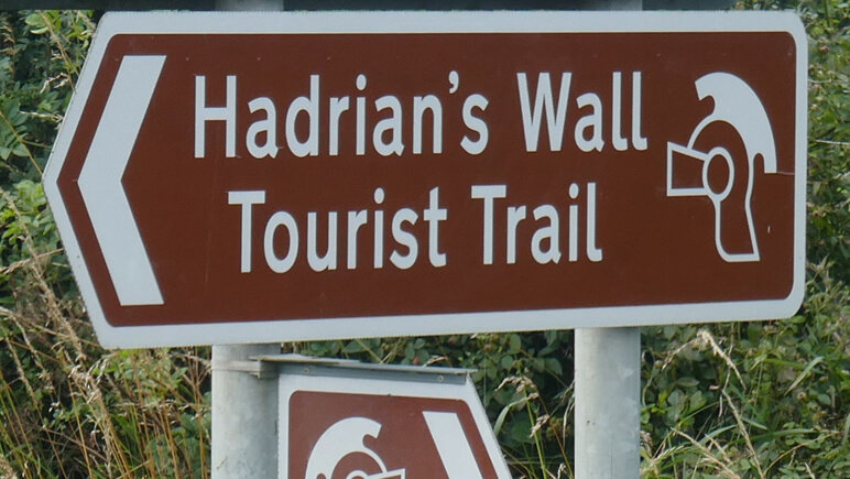 Hadrianswall Schild_co_the-celtic-ways.de