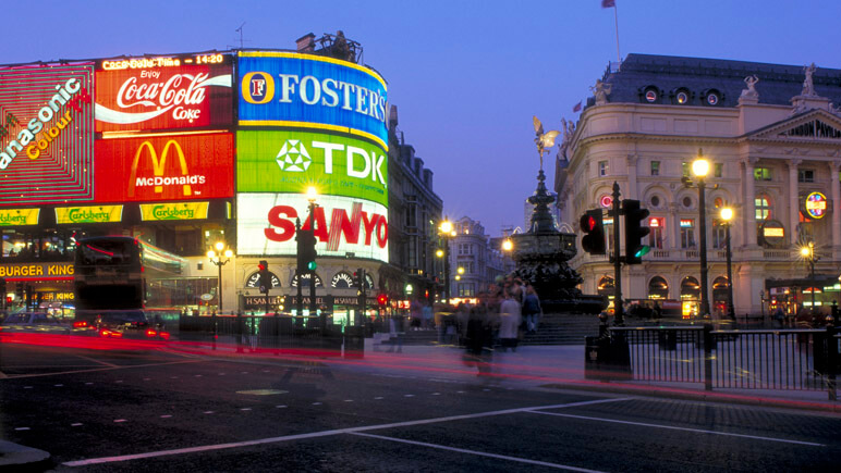 Piccadilly Circus London © VisitBritain