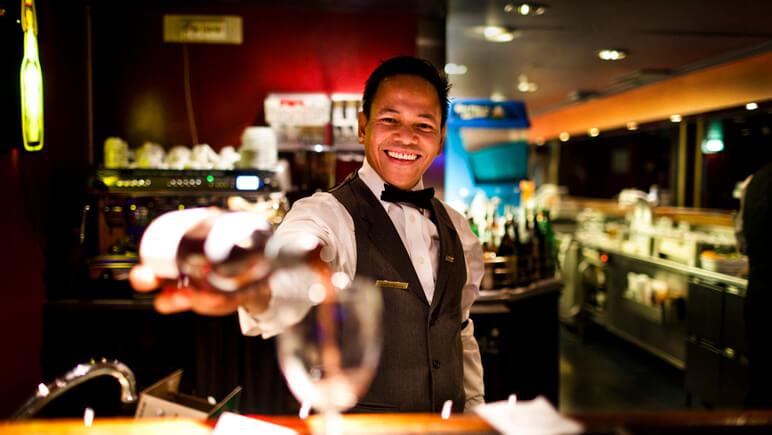 Barkeeper © DFDS
