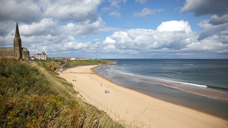 Tynemouth Surfing © VisitBritain