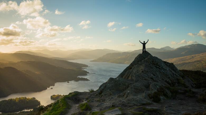 Berge am Loch Katrine credit visitscotland
