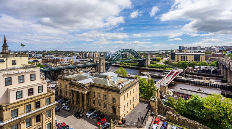 Newcastle von oben credis Visit England