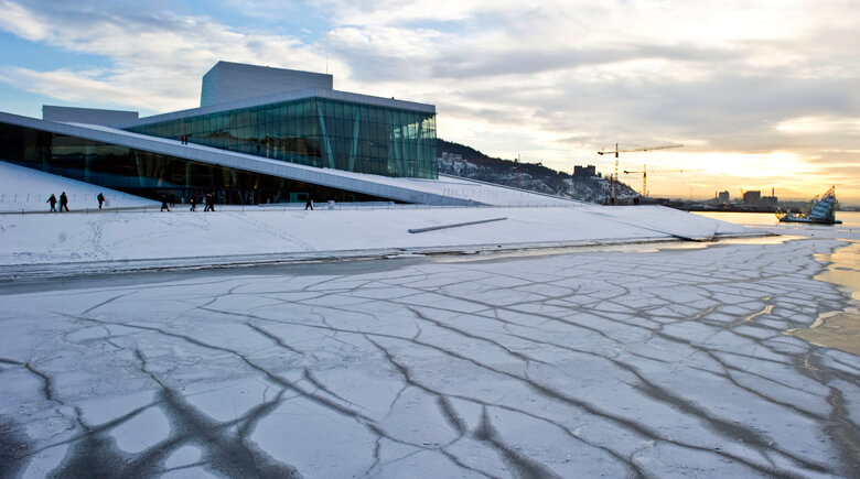 winterliches Opernhaus in Oslo