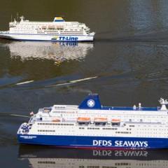 Zwei Modelle: Das gleiche Schiff