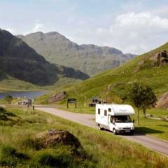 Unterwegs mit dem Wohnmobil bei Argyll © Paul Tomkins