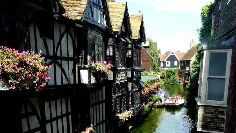 Viktorianische Häuser am Kanal