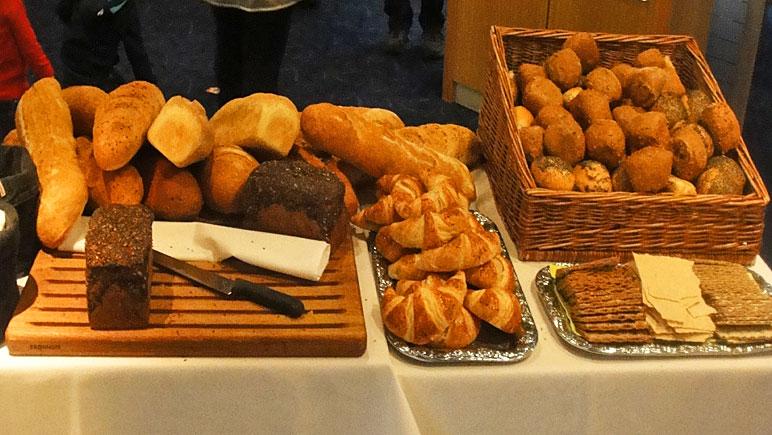 Brotauswahl beim Büfett