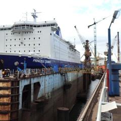Werftaufenthalt im Schwimm-Dock