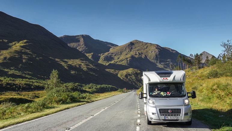 Mit dem Wohnmobil auf der A87 Richtung Loch Cluanie (West Schottland)