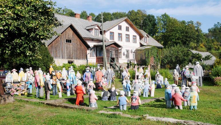 Sabile Puppen Dorf - Credits J. Grieschat