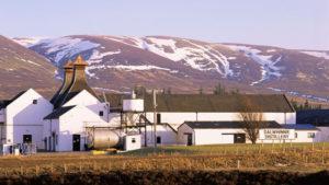 Dalwhinnie Distillery © VisitScotland