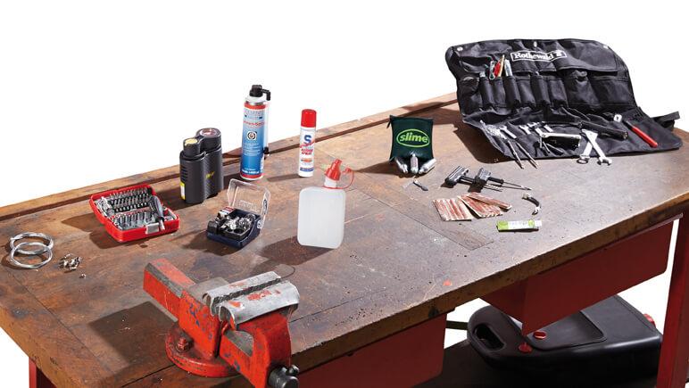 Reparaturen unterwegs © Detlev Louis Motorrad-Vertriebsgesellschaft