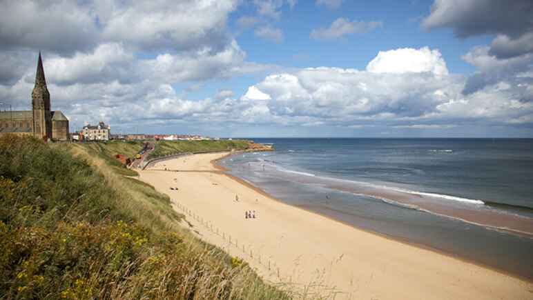 Tynemouth Surfing © VisitBritain