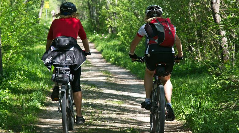 Fahrradfahren im Grünen