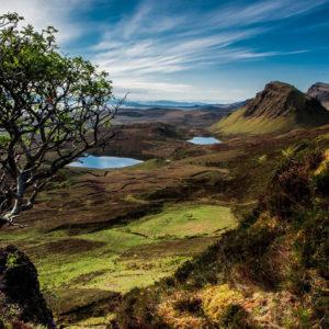 Schottische Landschaft mit Bergen und Seen