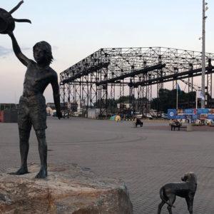 Statue Klaipeda Kindheitstraum Vorderansicht