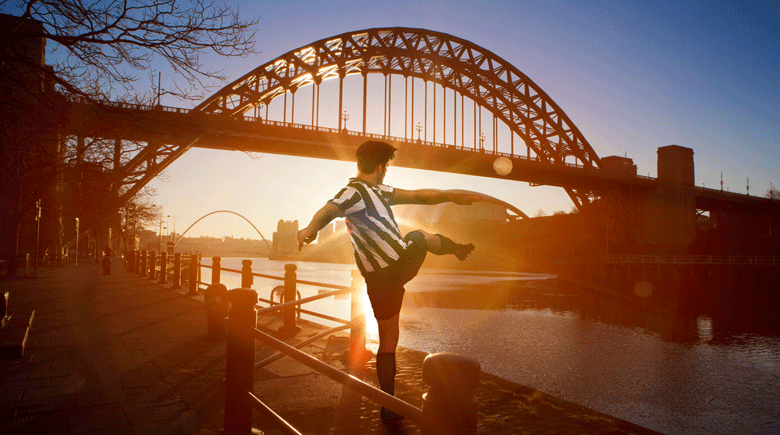 Newcastle Fussballspieler credit Visit Britain