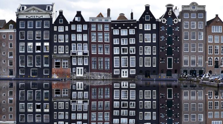 Amsterdam Häuser im Winter