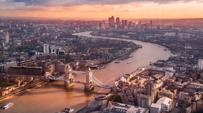 London bei Sonnenuntergang von oben